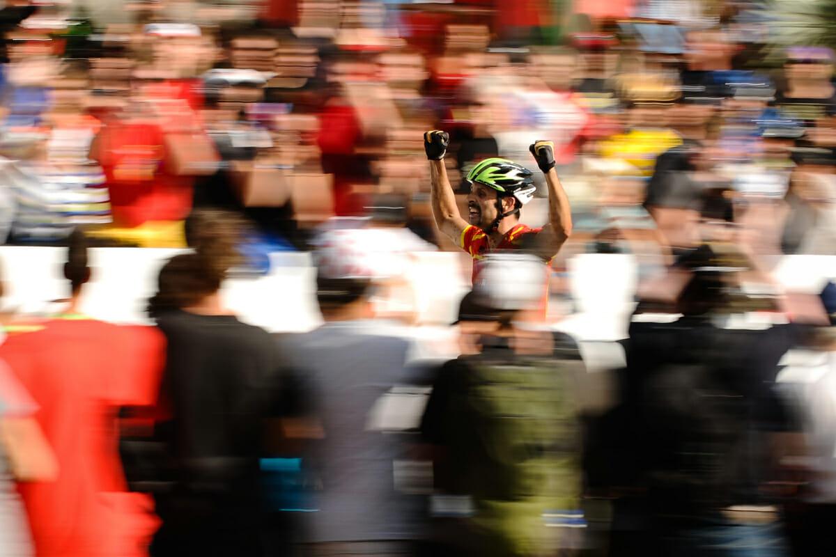 VELFORTJENT: Hermida kronet en lang karriere med VM-seier i 2010. Med karakteristisk trucker-bart.