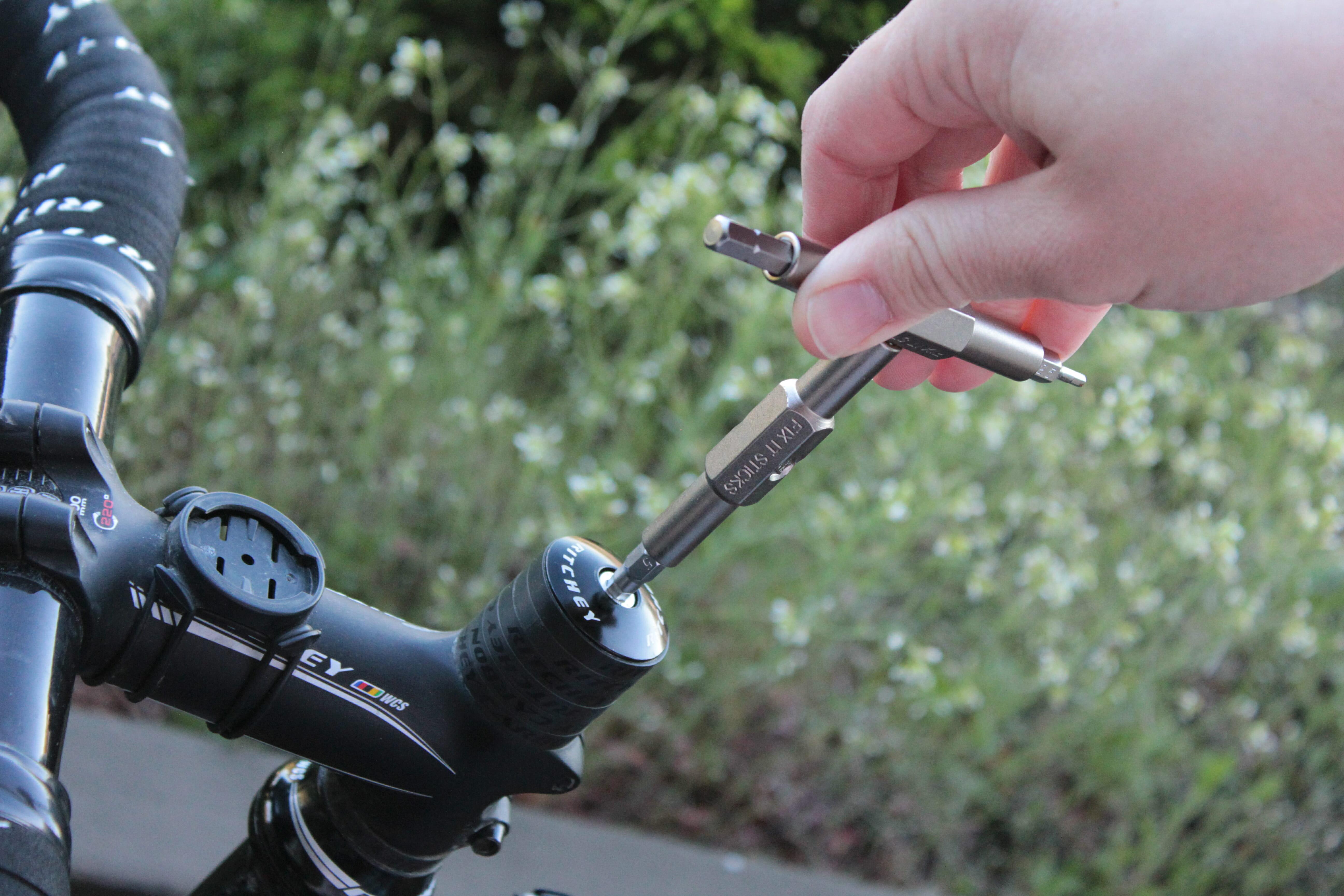 Mekketips: Slik strammer du styrelageret på sykkelen din
